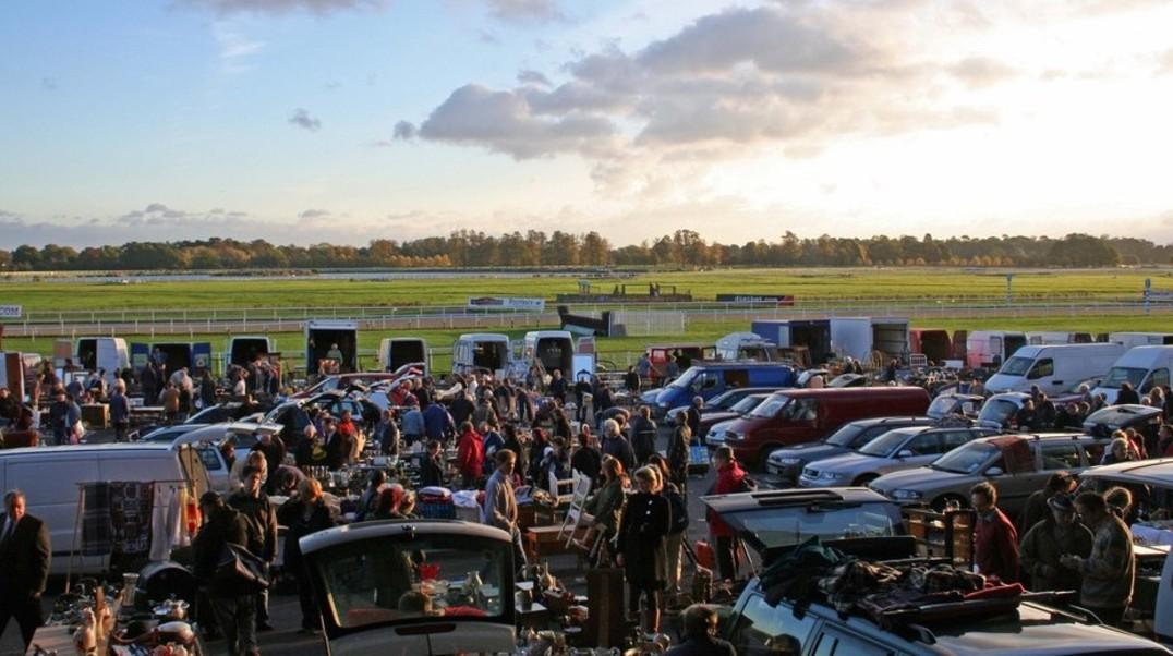 Kempton park racecourse sunbury on thames line up kempton park racecourse sunbury on thames negle Images